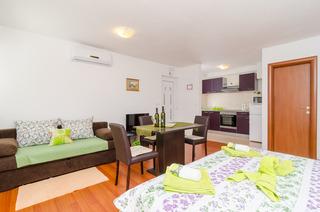Apartments Ira