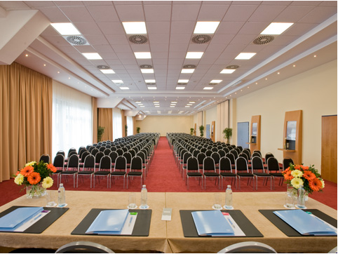 Nh Vienna Airport Conference Center