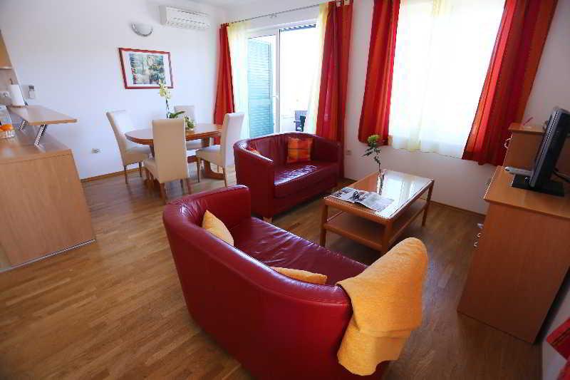 Apartments Pervanovo
